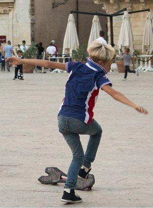 Ortygia skateboard boy